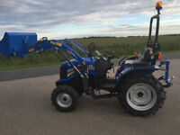 Solis 26 HP Tractor with drive in front loader