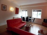 Superb 2 bedroom penthouse apartment in the heart of Winchester, Hampshire, 200m from station