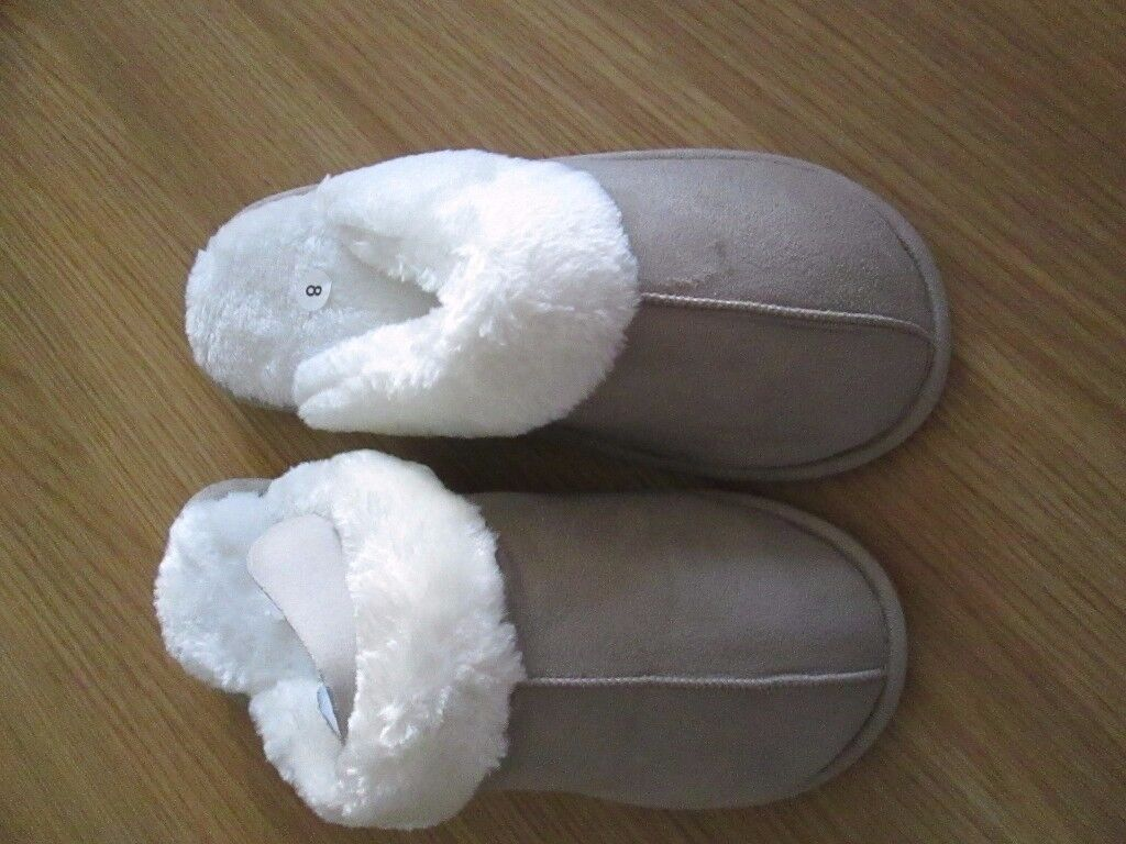 BEIGE SUEDE EFFECT SLIPPERS SIZE 8 NEW