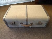Large vintage trunk suitcase with 2 keys with working locks. FOR SALE £60