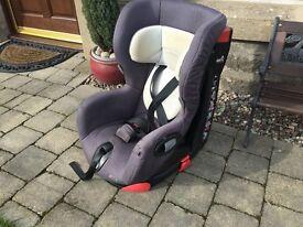 Maxi Cosi Axiss swivel car seat