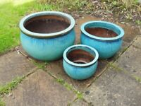3 blue garden plant pots in very good condition.