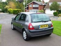 Clio 2003, Grey, low mileage.