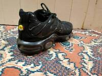 Black Nike TN's size 9(good condition- worn once)