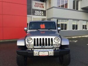 2014 Jeep Wrangler Unlimited Sahara 4X4, Leather, Local, NEW Tir Comox / Courtenay / Cumberland Comox Valley Area image 3