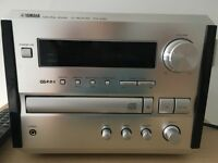 CD player - Yamaha Pianocraft CRX-E150 Natural Sound AM/FM Stereo, CD Mini Receiver.