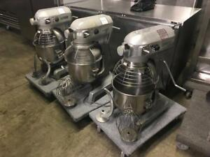 Hobart 20 qrt dough mixer with security guard and 2 attachments for only $2195! Retails $7,800+ ( can ship Anywhere)