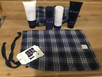 JACK WILLS SHORTS &TOILETRIES GIFT SET, NEW.RRP £40.