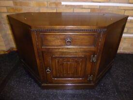 Jaycee Old Charm Hand Carved Oak Canted Corner Sideboard - TV Cabinet