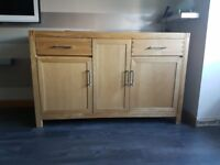 Parsons solid oak sideboard in great condition, smoke free home.