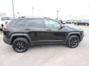 2016 Jeep Cherokee TRAILHAWK, TOIT OUVRANT PANO, TEMPS FROID, RE West Island Greater Montréal image 5