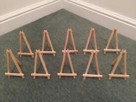 10x Mini Easels + 1x Large Easel with Canvas