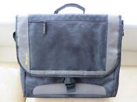 """FS Targus 17.3"""" CityGear Messenger Notebook Case Model TCG200"""