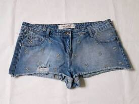 YES WOMEN'S DENIM HOT PANTS SHORTS. SIZE 14