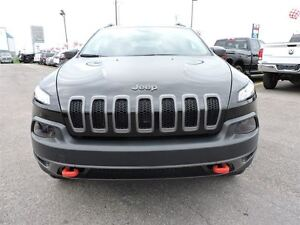 2016 Jeep Cherokee TRAILHAWK, TOIT OUVRANT PANO, TEMPS FROID, RE West Island Greater Montréal image 2
