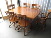 7 PIECE OAK FARMHOUSE STYLE EXTENDING DINING SET TABLE AND FOUR CHAIRS TWO CARVERS FREE DELIVERY