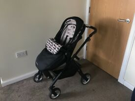 Silvercross Wayfer Limited addition pram / travel system