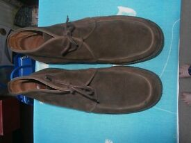 "GENTS ""PRINCIPLES FOR MEN"" SMART SUEDE BOOTS. SIZE 11. HARDLY WORN."