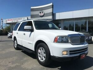 2005 Lincoln Navigator Fully Loaded 7-Passanger 4WD V8