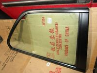 BMW E30 SHADOWLINE POP OUT WINDOWS with HINGES ! VGC.