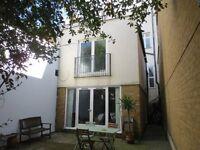 1 BEDROOM MEWS HOUSE (UNFURNISHED) - HACKNEY, E8 - TO RENT