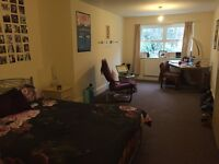 4 Bed house, close to transport heading to university, city centre, fitted new kitchen double rooms