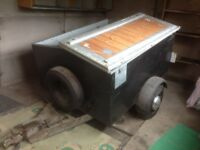 Trailler with Folding Lid