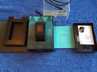 Fitbit Surge large, as new, presentation box, USB, charging cable, all documents.