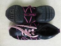 Split sole jazz shoes size Uk3
