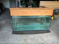 Aquarium with timber lid