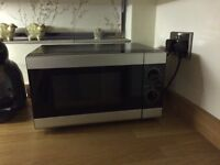 Tesco Solo Microwave Compact Oven 700 W, Great Condition
