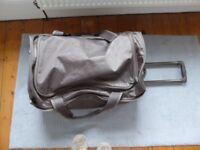 Antler wheeled travel bag