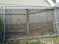 4 Metal fences, 2 large, 2 small