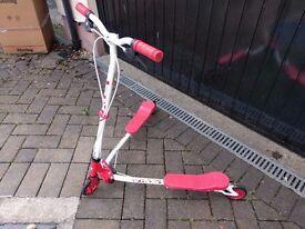 girls flick scooter