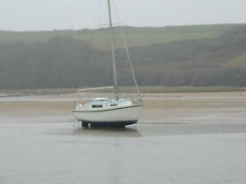 Snapdragon 24ft Bilge keel yacht.