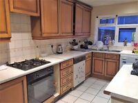 PROPERTY HUNTERS ARE PLEASED TO OFFER 3 DOUBLE ROOMS TO RENT FOR £550PCM IN FOREST GATE!!