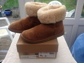 UGG BOOTS USED BUT GOOD CONDITION SIZE SEVEN AND A HALF