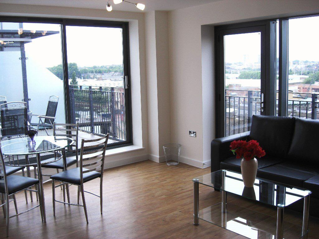 Spacious, terraced 2bed/2bath flat available to rent! High Street, E15, Pudding Mill Lane DLR