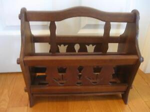SOLID WOOD VINTAGE SECTIONED & HANDLED WALNUT MAGAZINE RACK