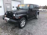 2013 Jeep WRANGLER UNLIMITED SAHARA! AUTO! LOADED! 2 TOPS! BIG E