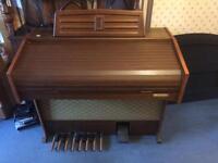Electric organ Elka