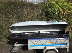 Large roof box. Thule evolution 700. Can deliver locally