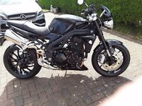 Triumph speed triple 1050cc black 2010