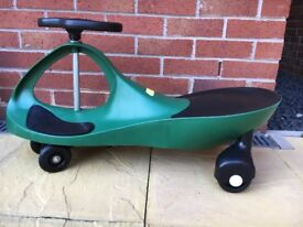 Green swivel scooter, swing car ride on, wiggle gyro twist & go