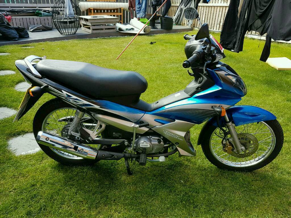 yamaha scooter semi auto virtually brand new only 180km 110cc 125cc in sunderland tyne. Black Bedroom Furniture Sets. Home Design Ideas