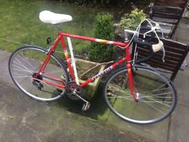 GENTS VINTAGE ORIGINAL RETRO PEUGEOT RACEING BIKE 18 GEARS RIDES VERY WELL HIGHLY COLLECTABLE