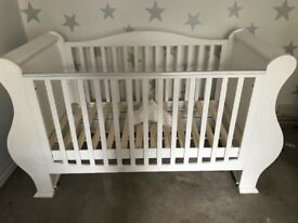 White tutti bambini slay cot bed and changing unit