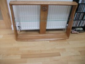 QUITE RARE ERCOL SWAN WALL MOUNTED SOLID ELM LIGHT FINISH PLATE RACK/ORNIMANTS