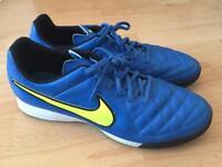 Mens size 12 Nike football trainers LIKE NEW!