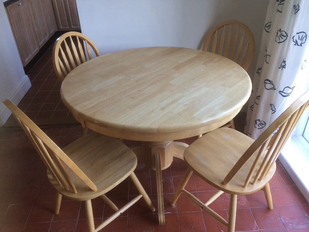 Pine Dining Table & 4 Chairs